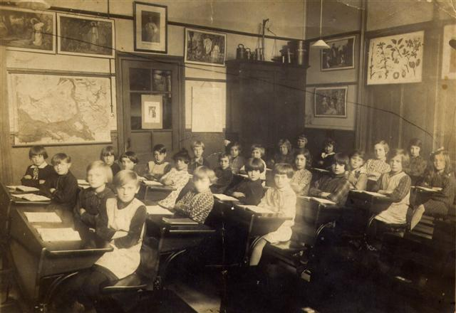 Foto lagere school Gretha Duis omstreeks 1930